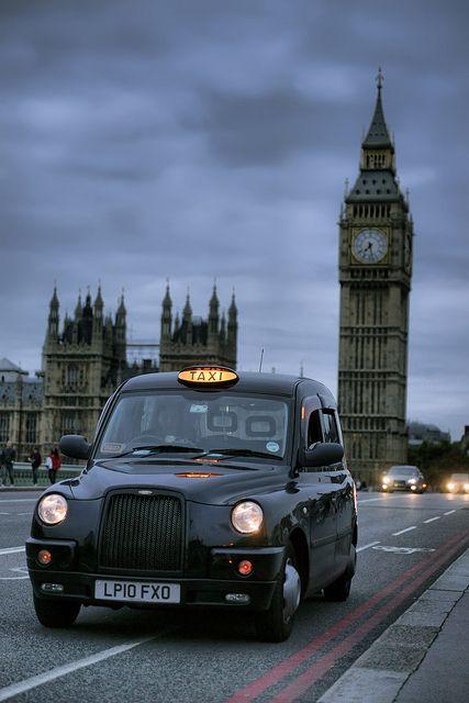 BRITISH CULTURE – Black cab (TAXI)